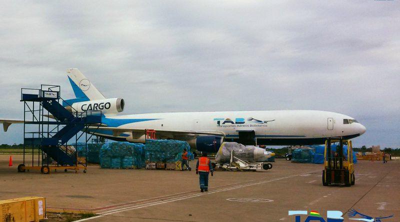 El avión carguero de TAB esta averiado desde agosto y deja parada 700 t de carga en Miami