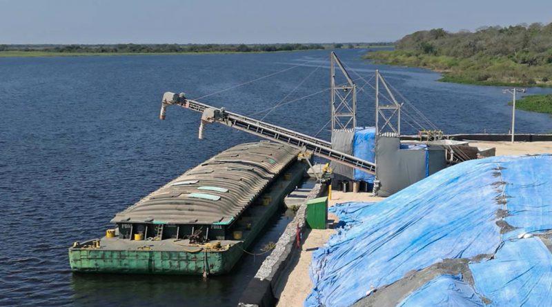 """Gobierno explora """"soluciones técnicas"""" para exportar acero y hierro del Mutún desde Puerto Busch"""